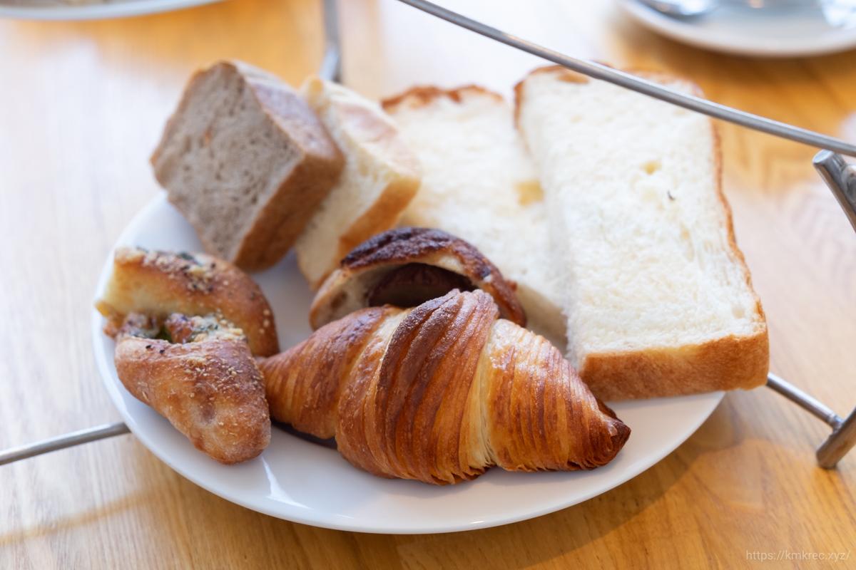 「パンとエスプレッソと自由形」ブランティー セットのパン